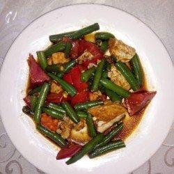Рандеву (филе куриное, помидоры, фасоль стручковая, острая заправка)