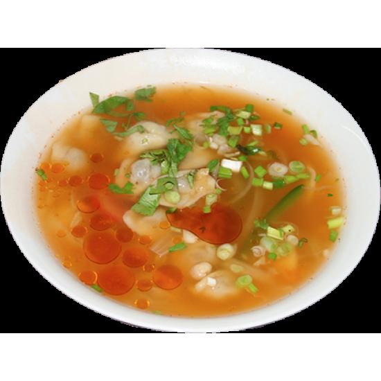 Чущара (пельмени в бульоне с кусочками мяса и овощами)