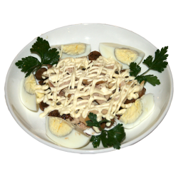 Кураж (яйцо, курица отварная, грибы жареные, майонез)