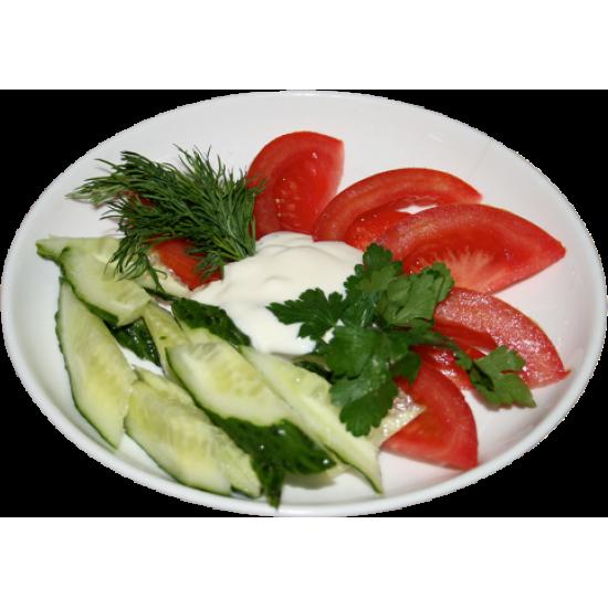 Овощной (помидоры, огурцы, лук, заправка майонез или сметана)