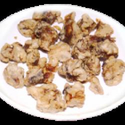 Шинтсуджи (хрустящие жареные кусочки курицы в кляре со специями)