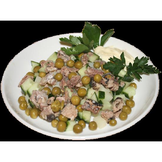 Тайский берег (сайра консервированная, зелёный горошек, огурцы, картофель)