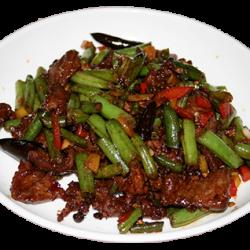 Туджауру (стручковая фасоль с жареным мясом)