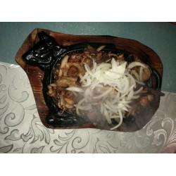 Баранина в жаровне (баранина, лук)