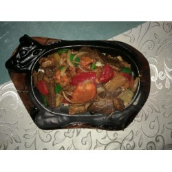 Казак-тябянь (мясо говядины, картофель, морковь, болгарский перец, лук)