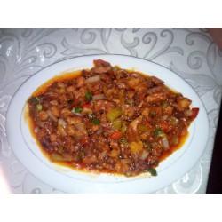 Ядин (филе утки, болгарский перец, специи ,томатная паста)